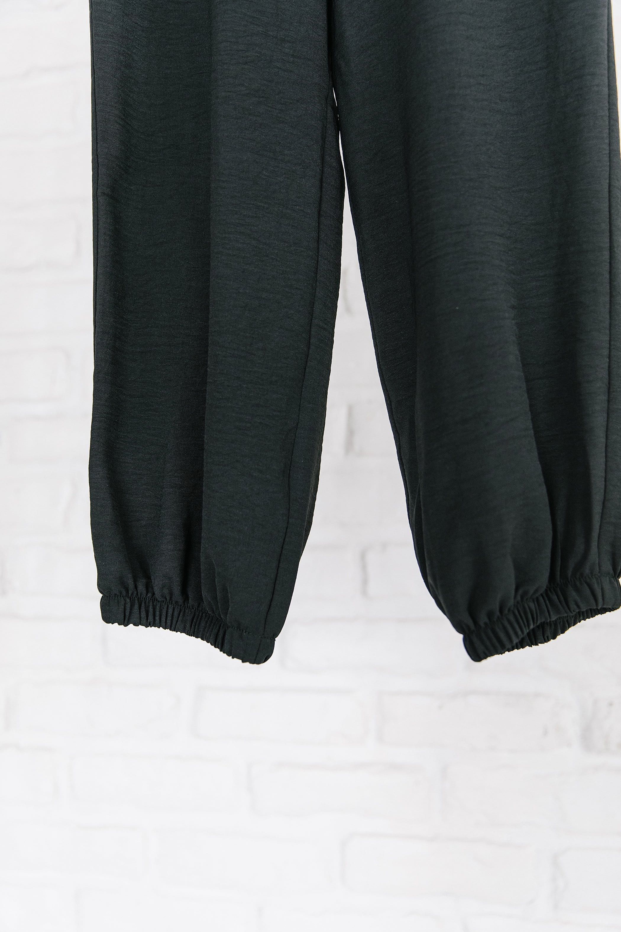 The Willmington Joggers in Black