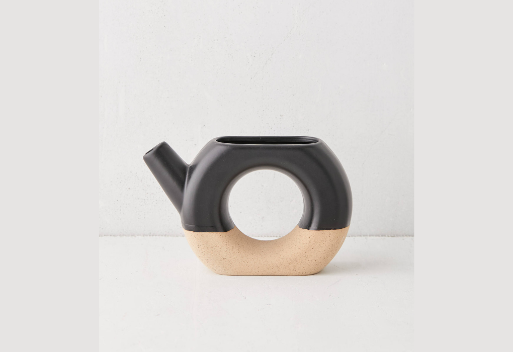 Two-toned ceramic watering can
