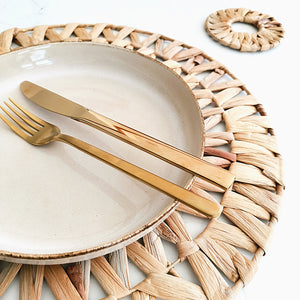 Round handwoven seagrass coaster  and placemat for your dining table.