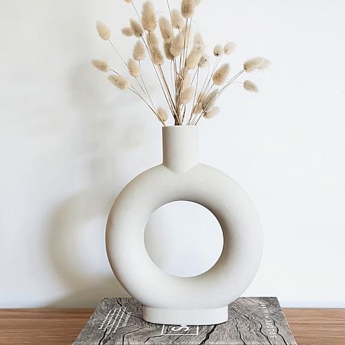 Ceramic White base, donut shaped, perfect for dried flowers or pampass grass.