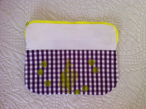 "Necessaire ""light green shell on Vichy purple"""