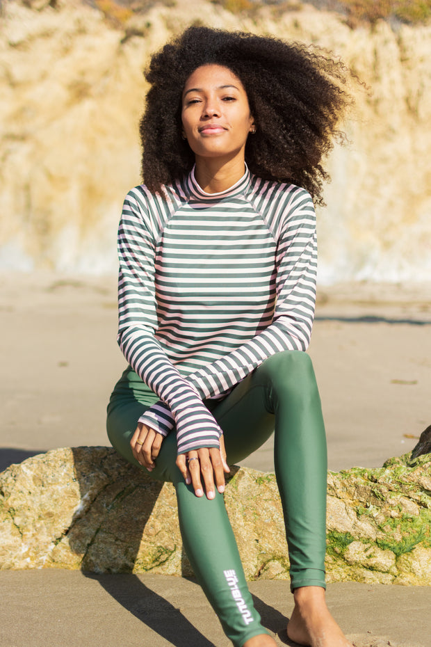 WOMEN'S PULLOVER RASH WITH RAGLAN SLEEVES - NIGHT PALM STRIPE