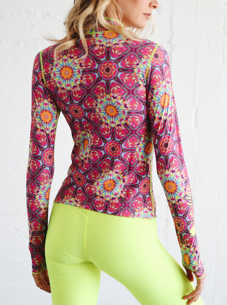 WOMEN'S PULLOVER RASH GUARD - KALEIDOSCOPE