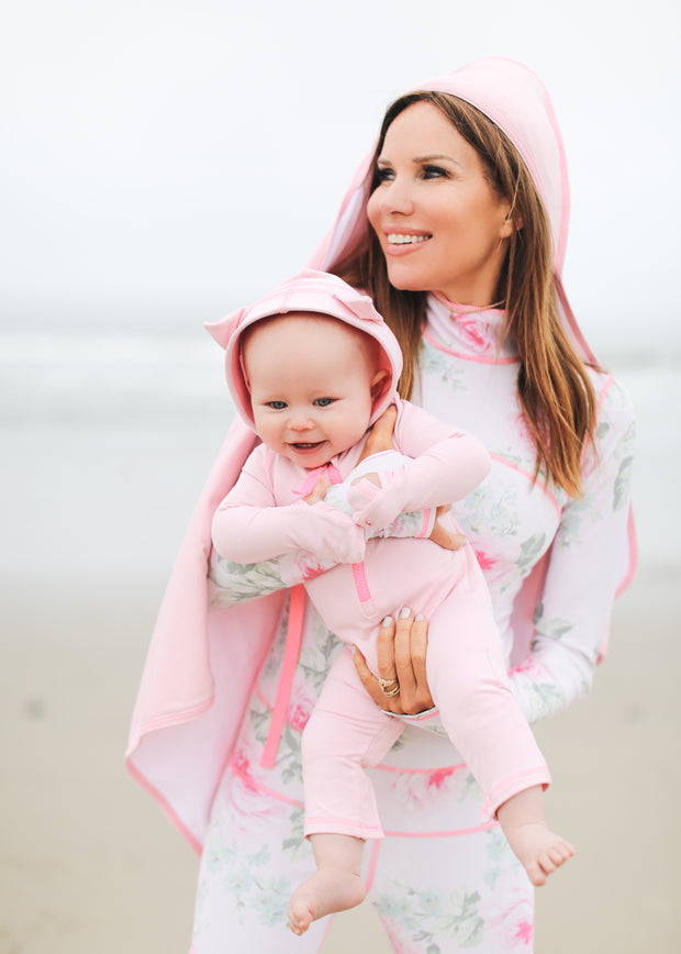 BABY BEACH TOWEL WITH HOODIE - BABY PINK