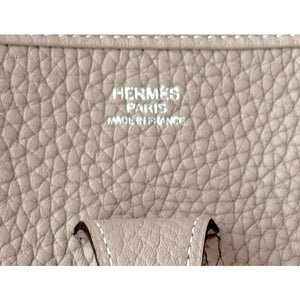 Hermes Gris Tourterelle Evelyne PM Messenger Leather Messenger Bag Chic