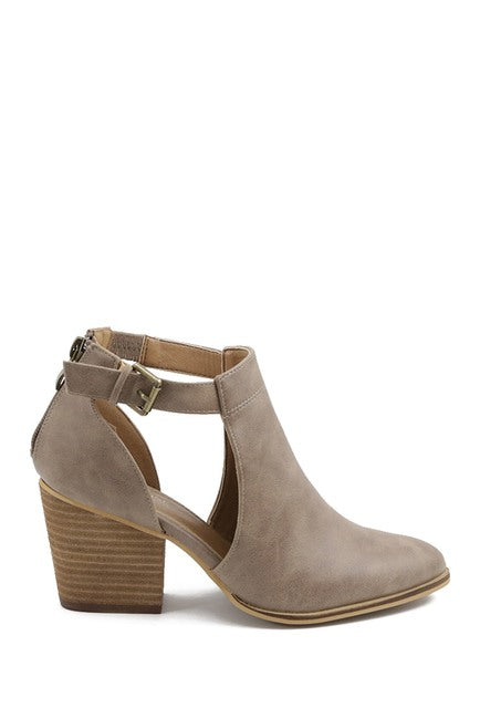 Fimby Pointed Toe Cutout Bootie