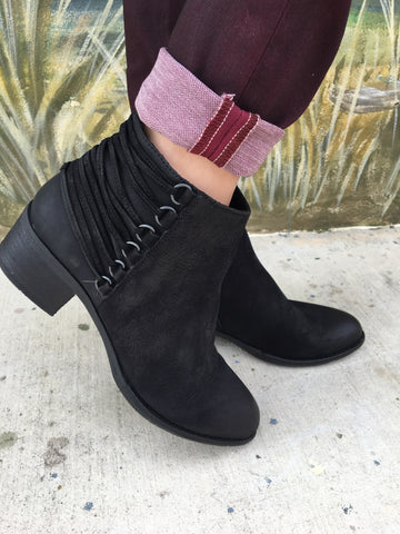 steve madden booties, black