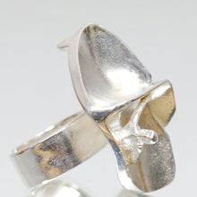 "Load image into Gallery viewer, Lapponia Sterling Silver Ring ""Jaara's Dream"" by Björn Weckström"
