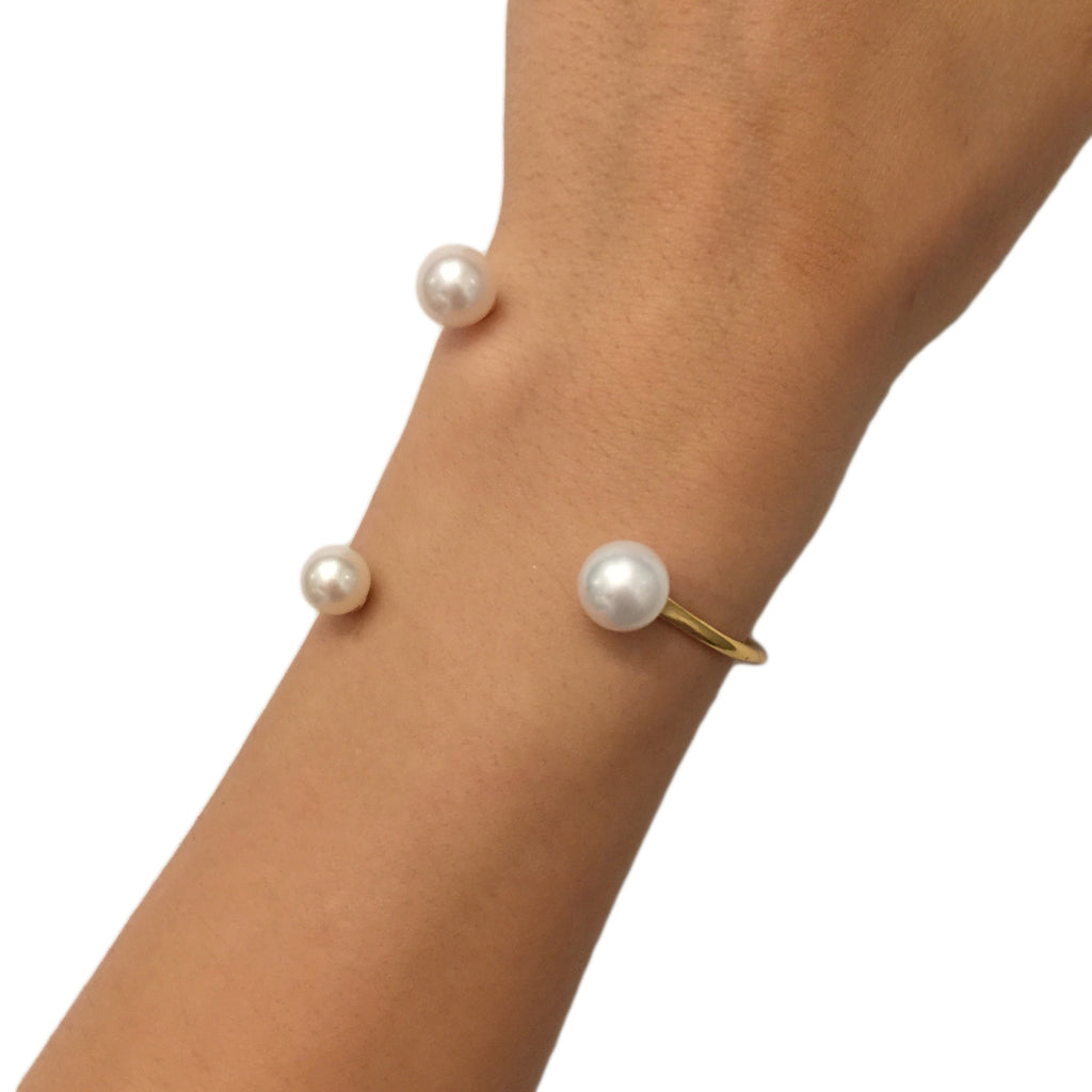 Floating Pearl Bracelet - AMANDA PEARL - elegantly edgy accessories