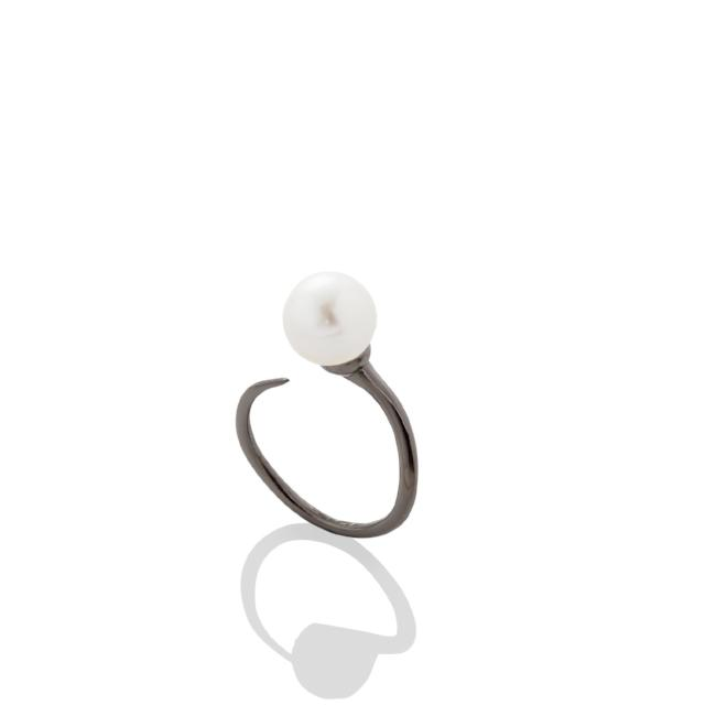 Pearl Bypass Ring - AMANDA PEARL - elegantly edgy accessories