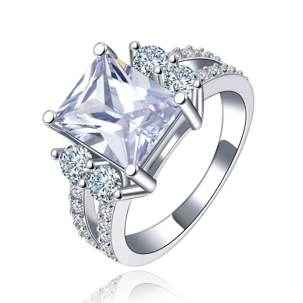 Princess Cut Ring 18k Gold Plated With Cubic Zirconia Hollywood Sensation