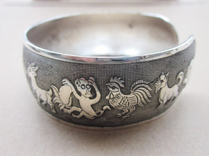 Zodiac Animals Retro Silver Plated Bracelet - Hollywood Sensation