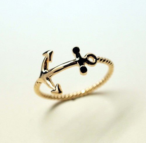 Island Fever Anchor Ring - Hollywood Sensation