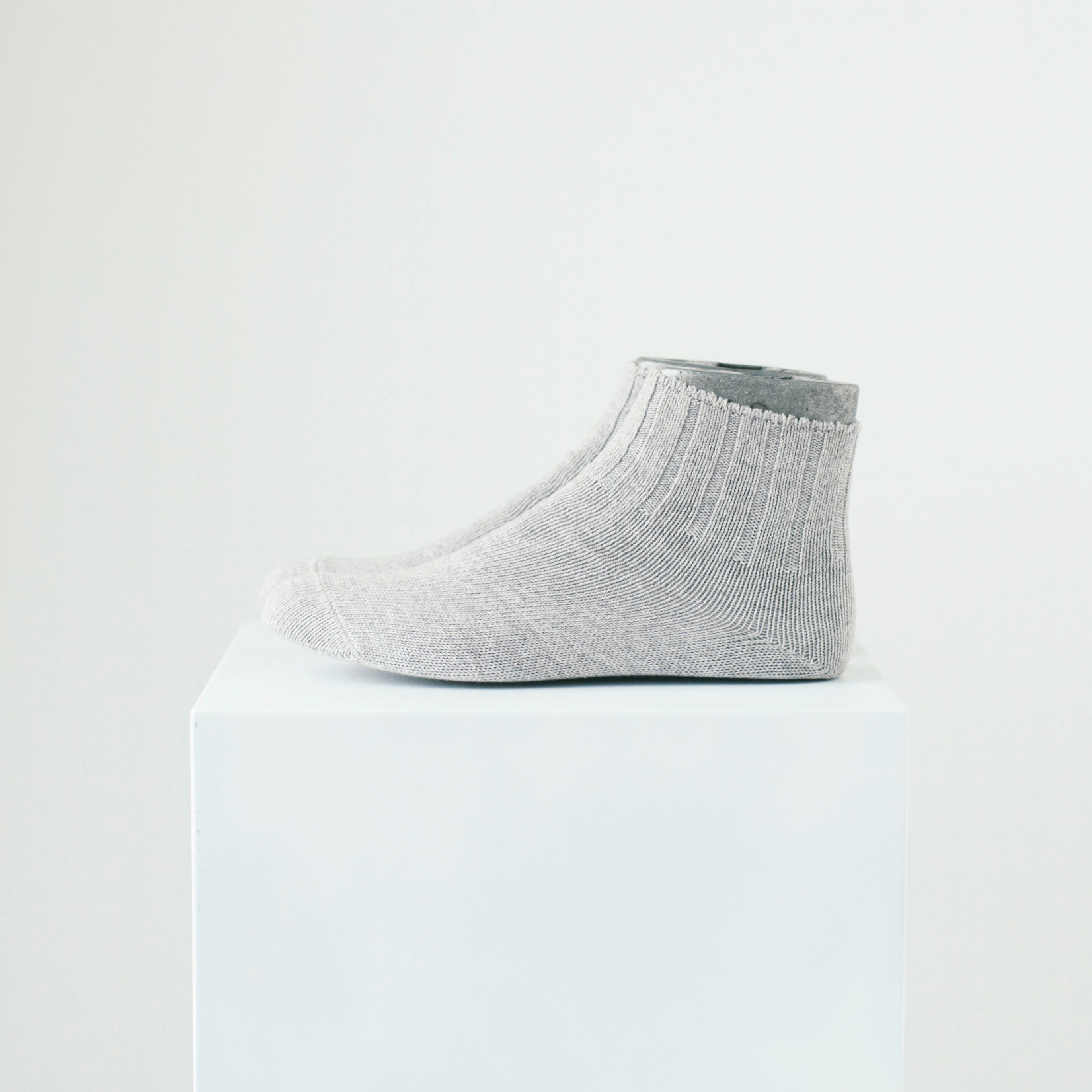 3 PAIRS BOX (WHITE, GRAY, BLACK)