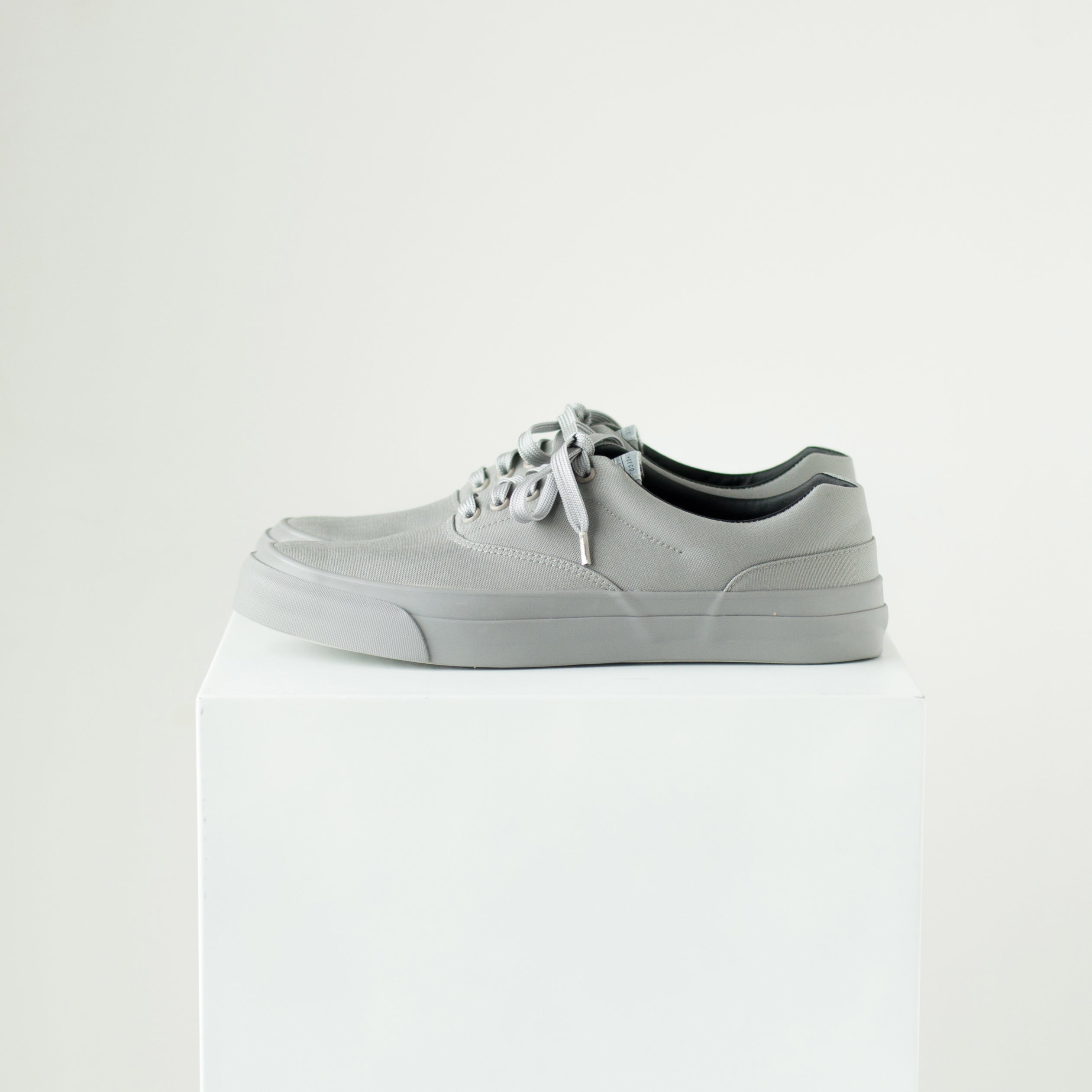 SOLID KICKS NO.2 - GRAY/GRAY
