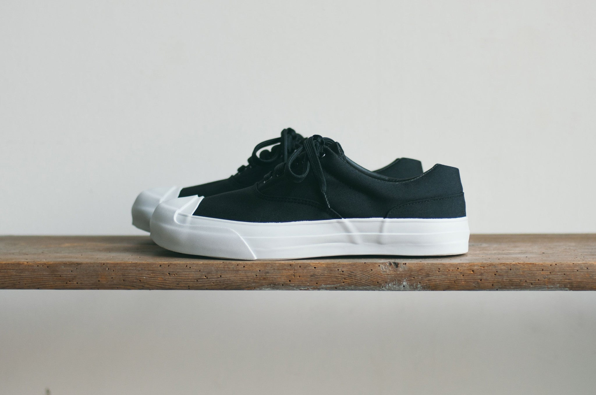 SOLID KICKS NO.1 - BLACK