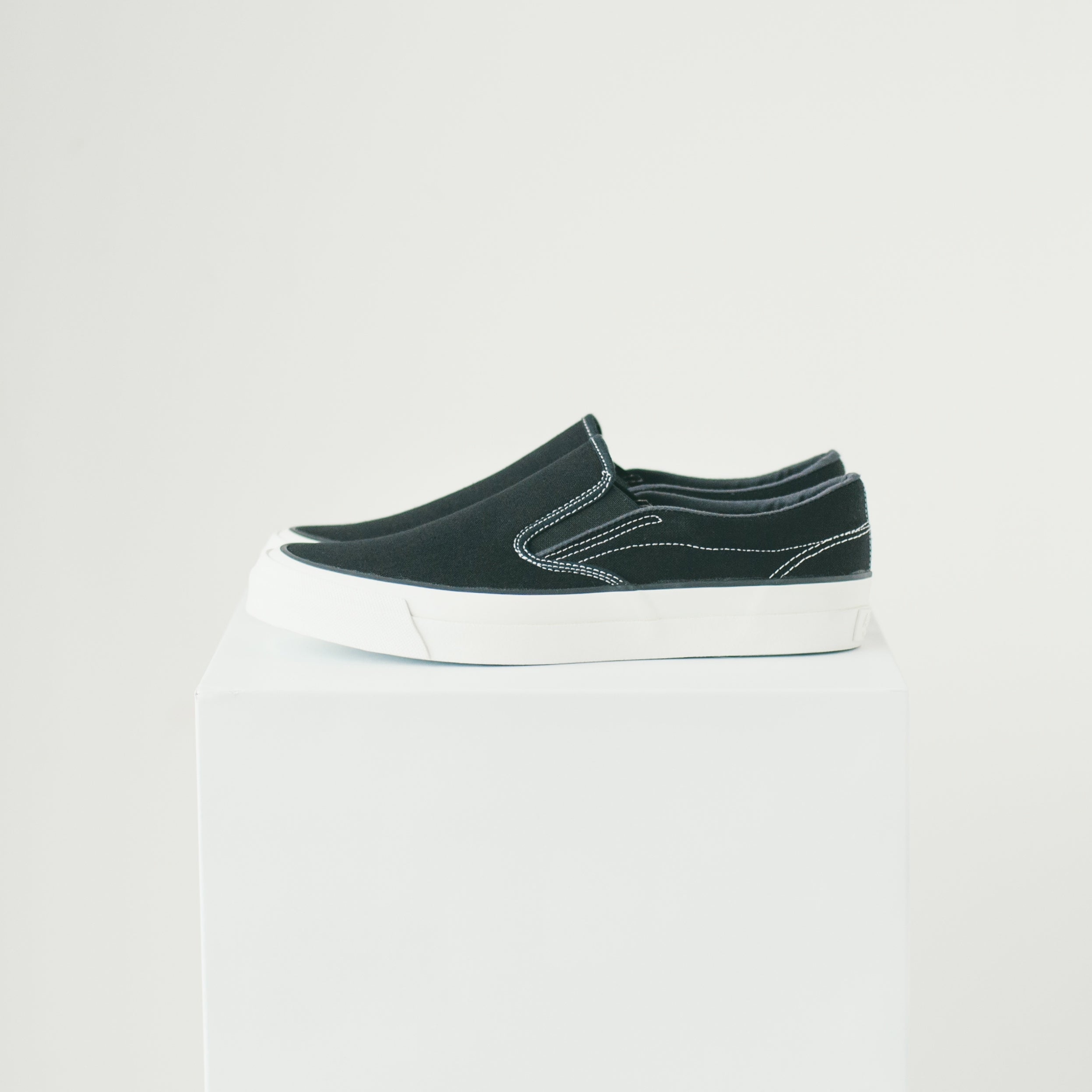 ASAHI DECK SLIP-ON - BLACK