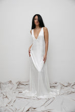 Load image into Gallery viewer, SOBJE V creme dress