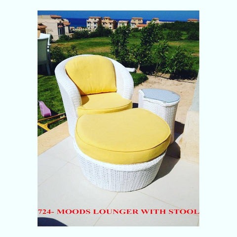 Out Door Moods Lounger w / Stool White
