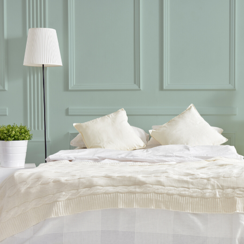 ESCAPE TO DREAMLAND WITH THESE CALMING BEDROOM COLORS