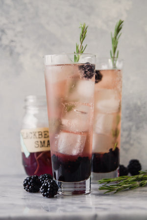 Blackberry Gin Smash Cocktail Kit to Infuse Gin by InBooze™ - Click here to infuse your booze!