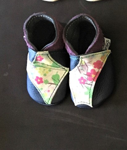 Leather Baby Shoes in Navy with Floral Suede and purple trim