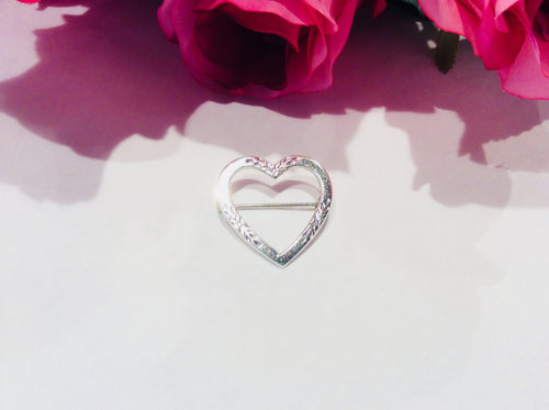 Vintage Sterling Silver Etched Heart Brooch - Atelier Crafers