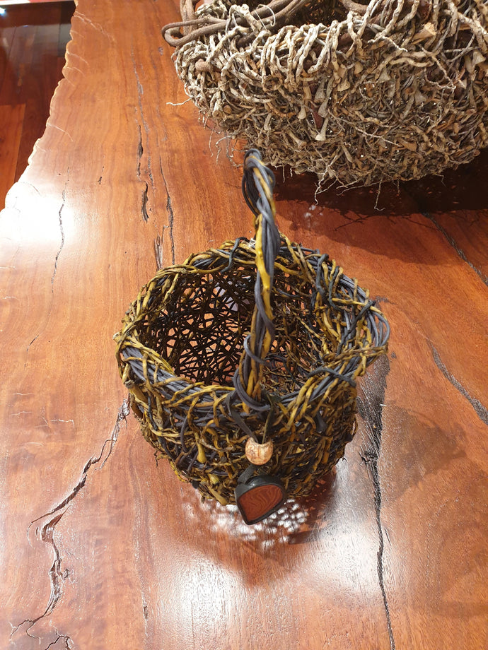 Random weave basket with handle by Laima Guscia-Homewares-Atelier Crafers