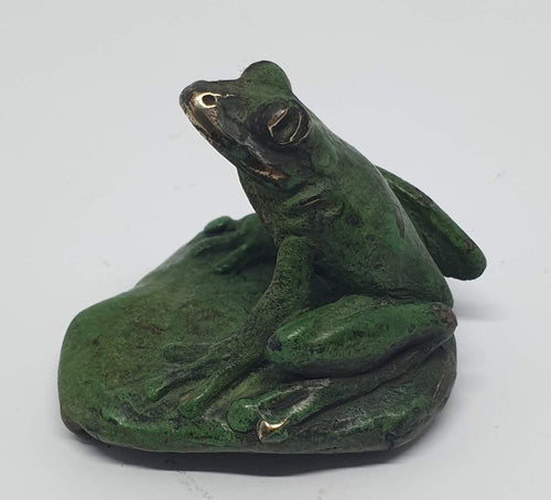 Small Frog with Moth - bronze miniature by Silvio Apponyi-Art Gallery-Atelier Crafers