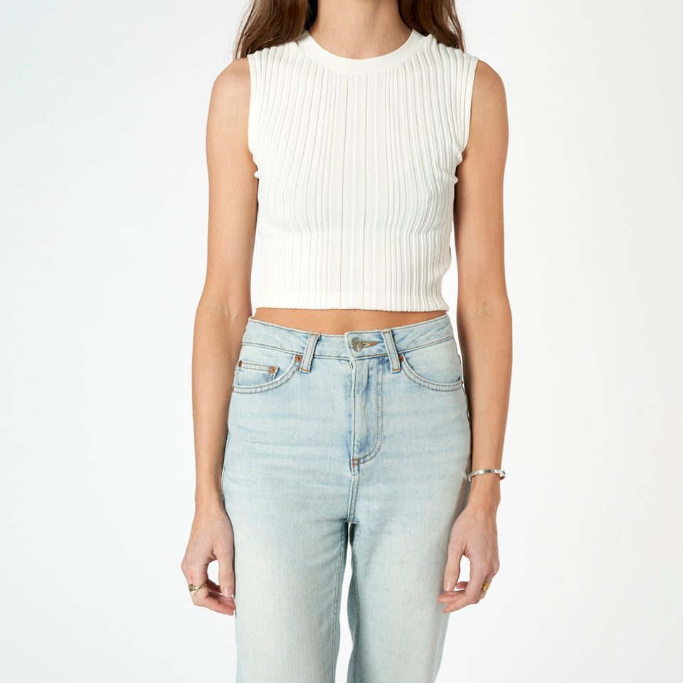 Outline Cropped Tee