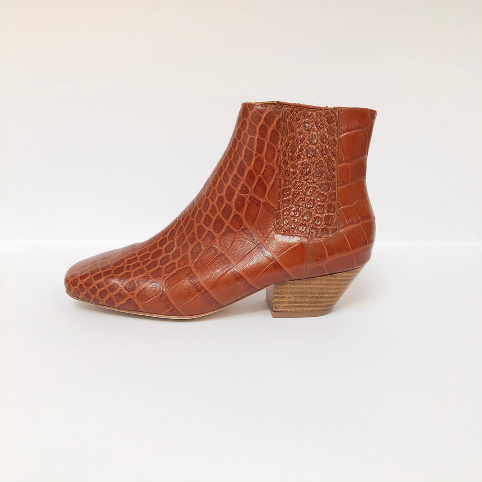 Salsa Chelsea Boots