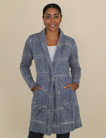 With its cool blue color, white speckled pattern, and mid-thigh length, this sophisticated Harmonia Fleece Cardigan works indoors as well as outdoors whenever you need a winter jacket.