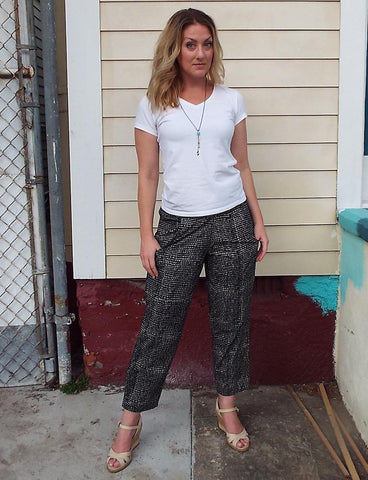 When you want a subtle print and neutral colors, turn to these Midnight Dusk Crop Pants. Black with a small, dotted white print, they're a great way to add sophistication to any fall outfit.