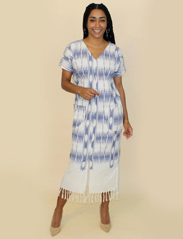 This full-length, flowy, bohemian Neoma Blue Kaftan from Passion Lilie makes for a great music festival outfit.