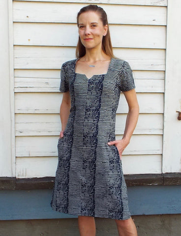 Made using reactive dyes, Passion Lilie's Layla Organic Jersey Dress features a sophisticated stripe-on-stripe pattern that won't run or bleed when washed.