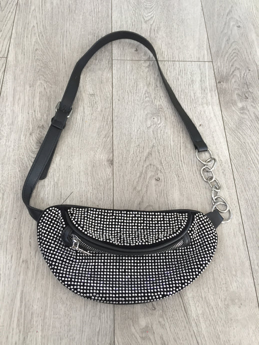 STUDDED SLING MOONBAG