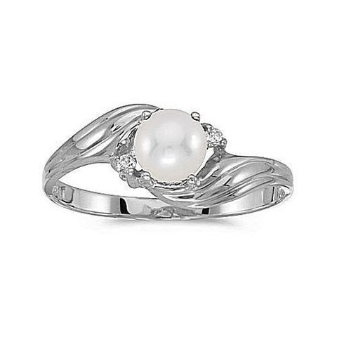 10kt White Gold Pearl and Diamond Ring