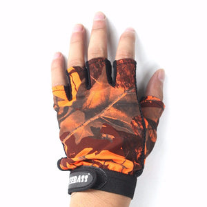 Camouflage Fishing Gloves Half-Finger With Anti-skidding For A Firm Grip.