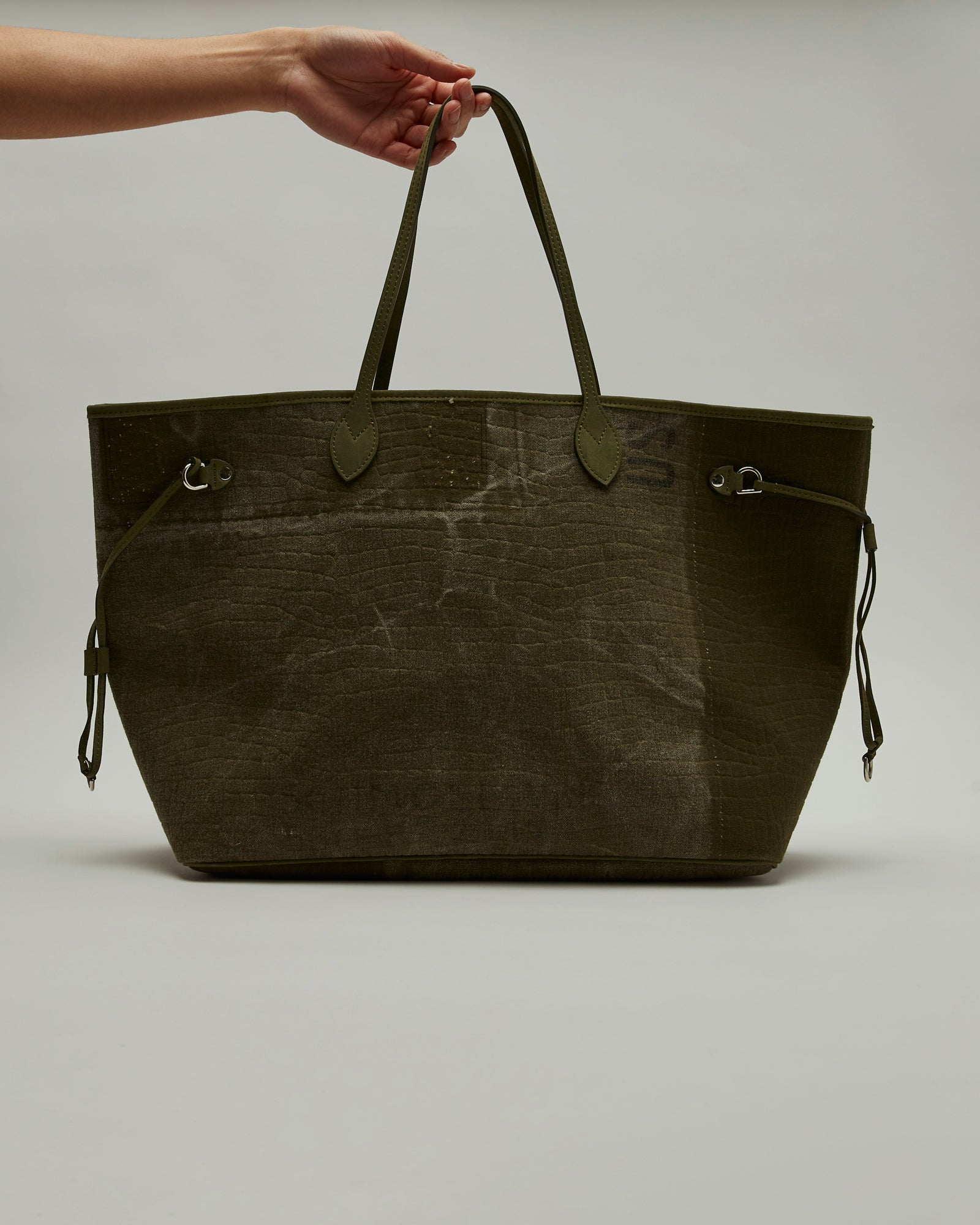 Embossed Roomy Bag in Green