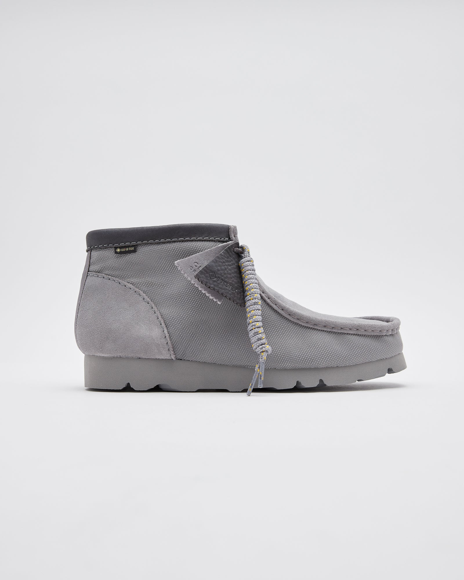 Wallabee BT GTX in Light Gray