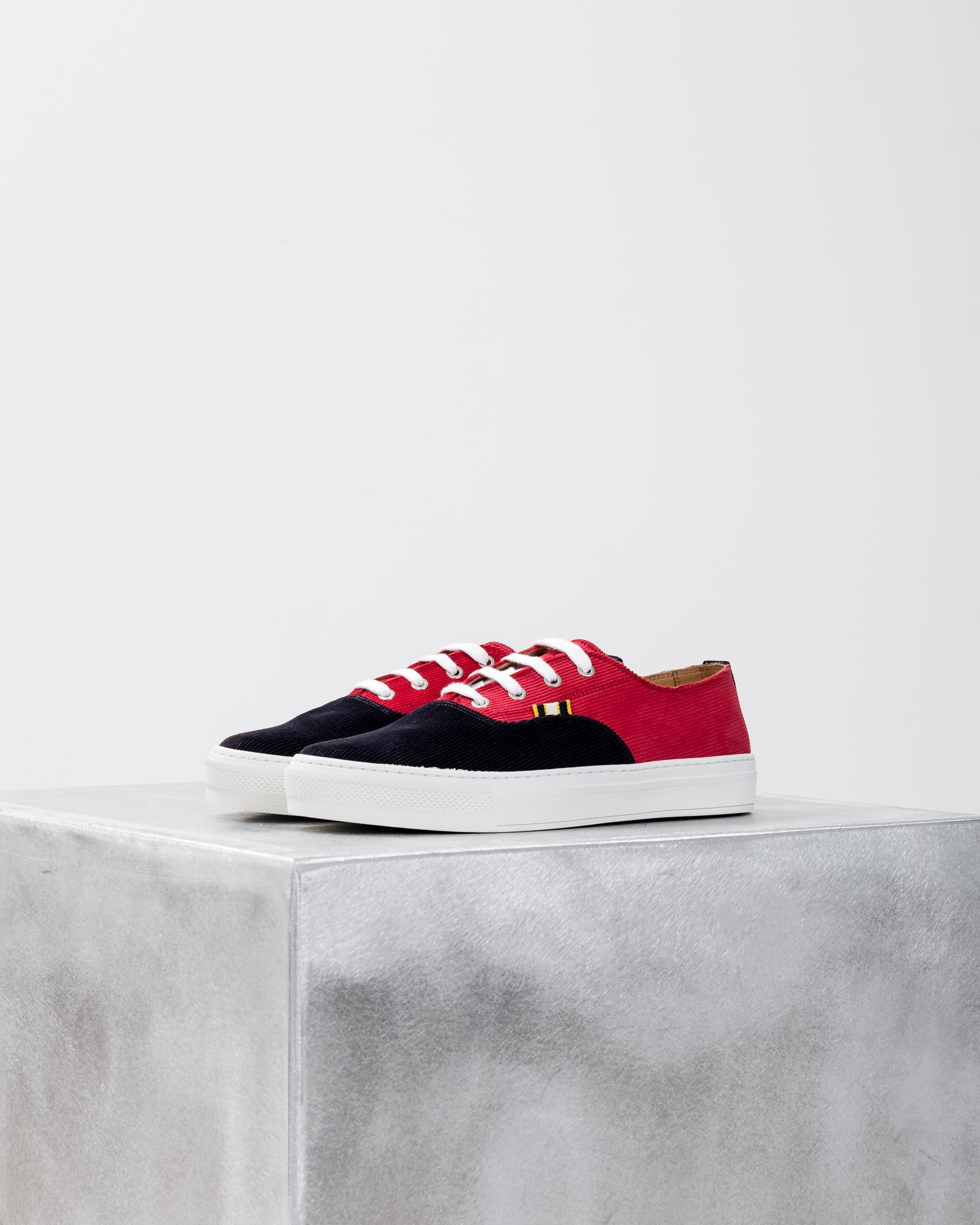APR005 Corduroy in Red/Navy