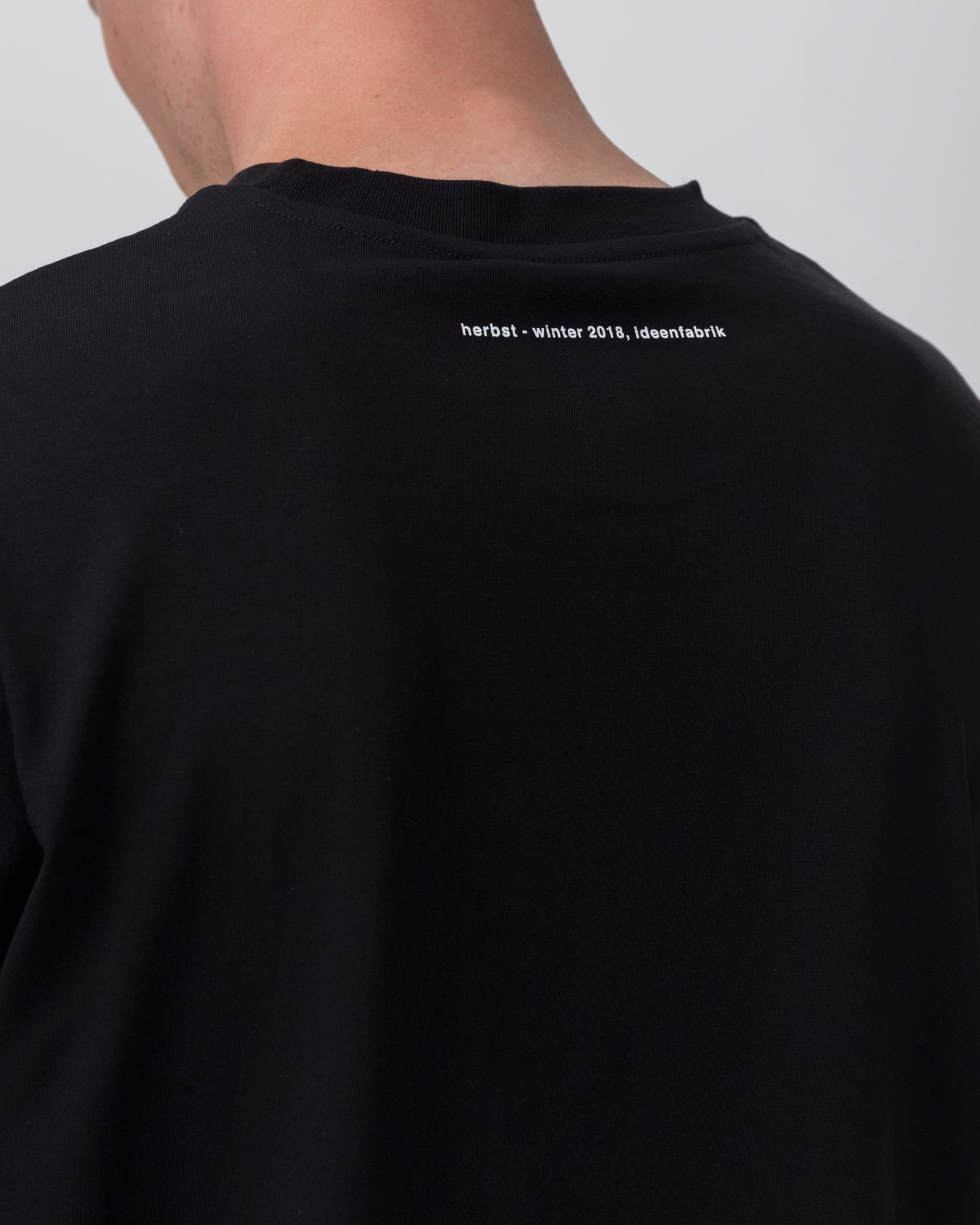 Chain Logo T-Shirt in Black