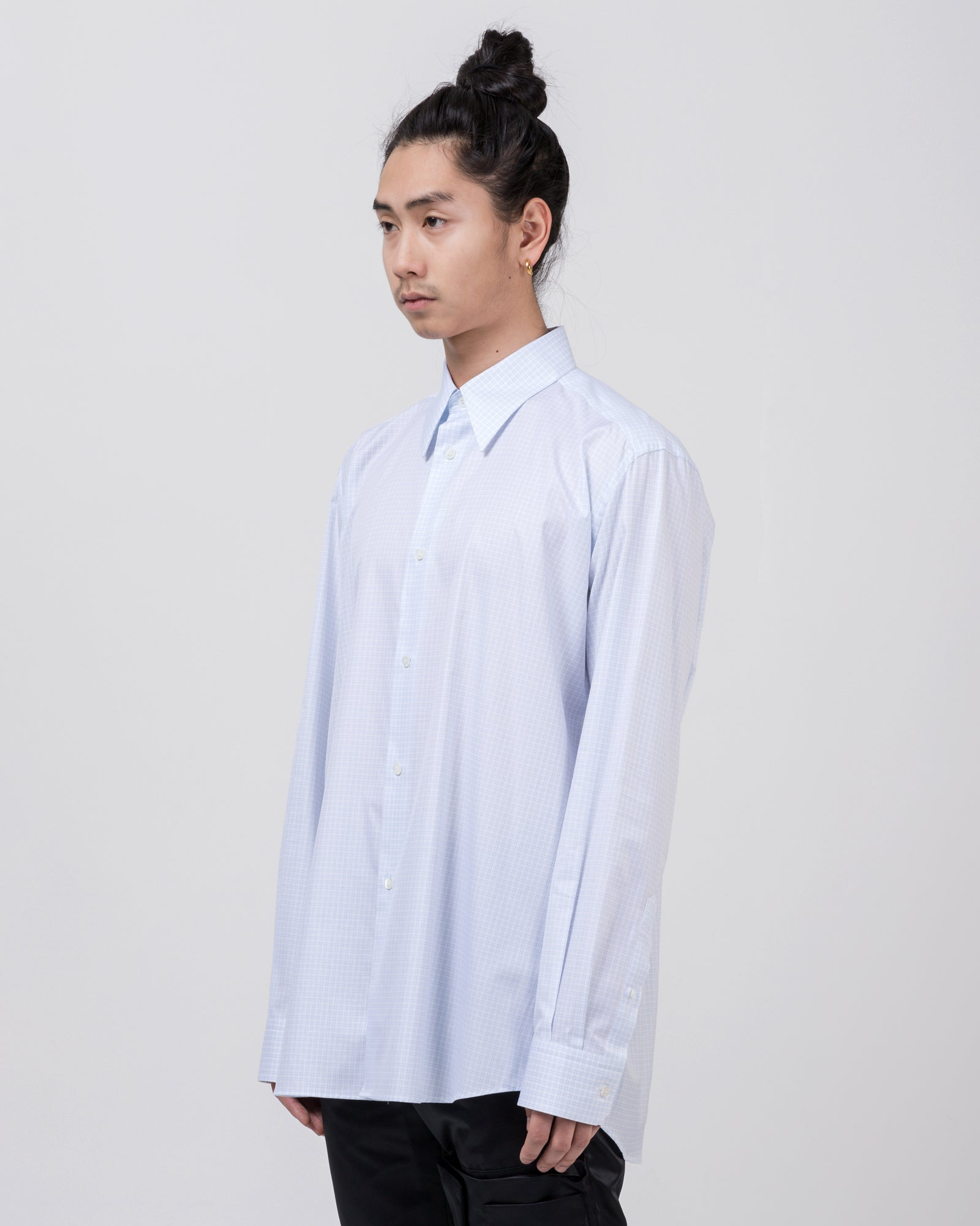 Shirt with Plastic Pocket in White Blue
