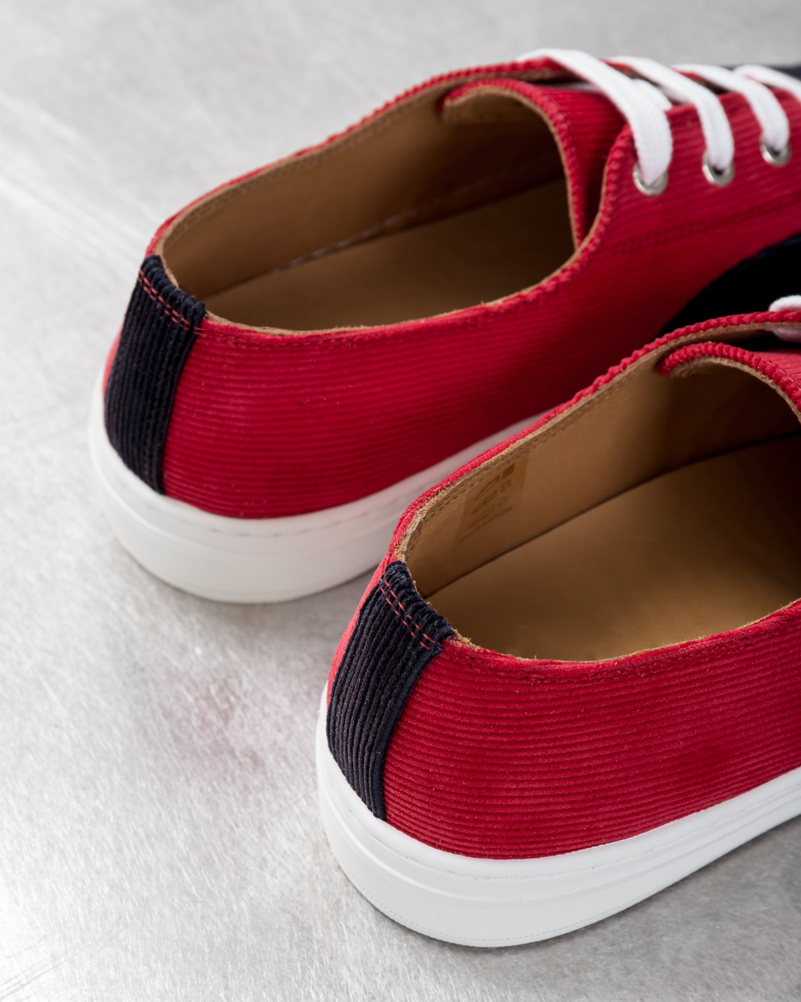 APR005 Corduroy in Red/Navy | Aprix