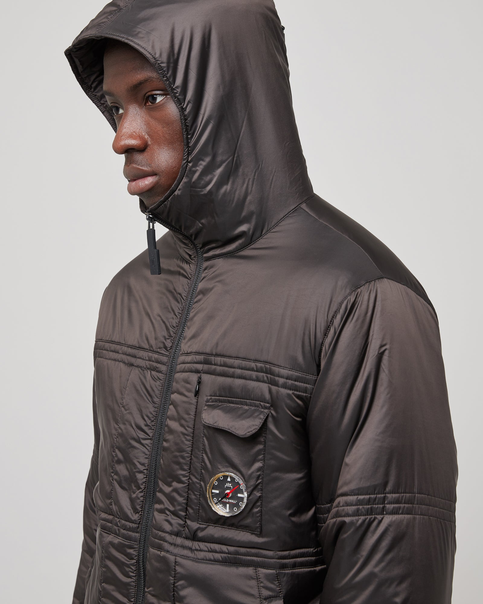 Compass Hooded Puffer Jacket In Black