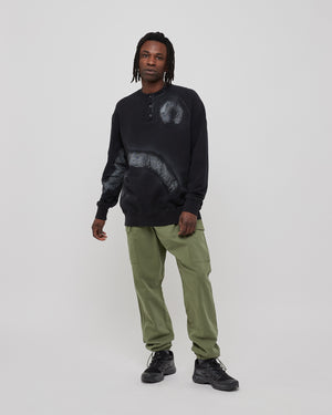 Overspray Buttoned Crewneck in Black
