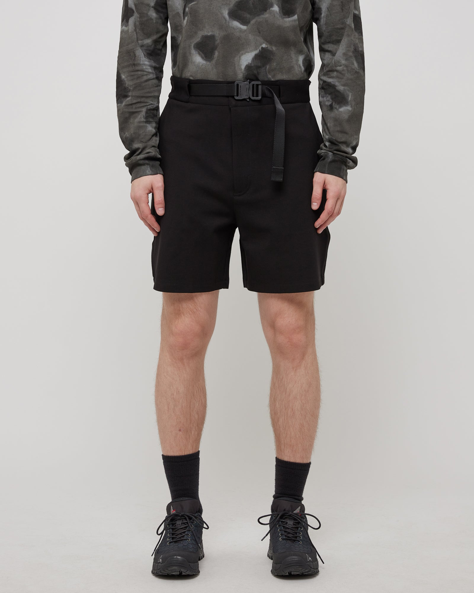 Classic Buckle Short in Black
