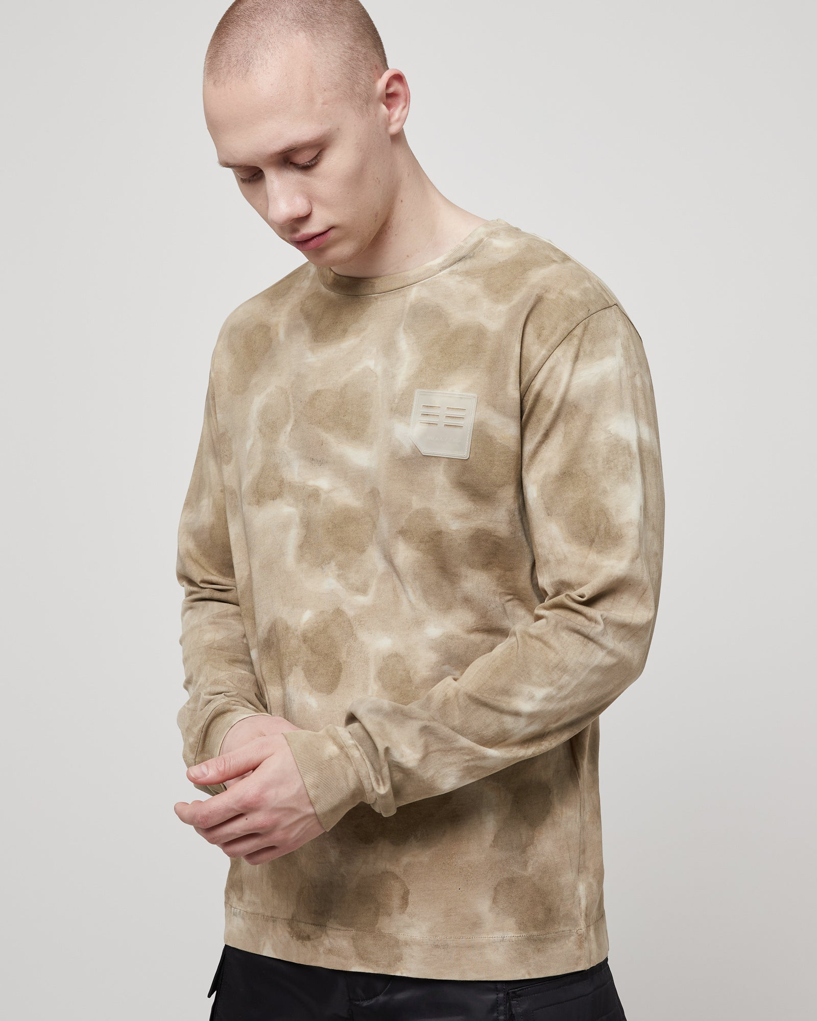 L/S T-Shirt with Treatment in Dark Sand