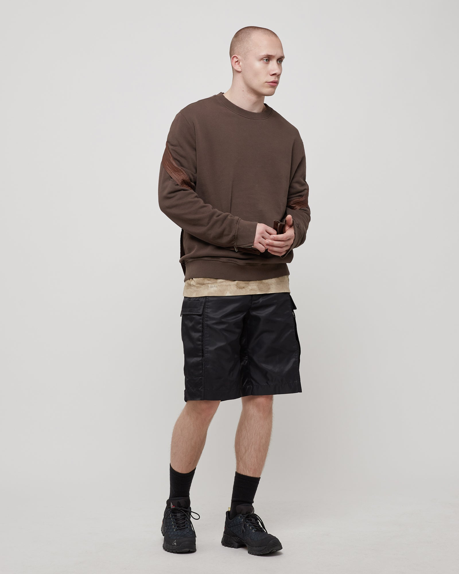 Trek Crewneck in Dark Brown