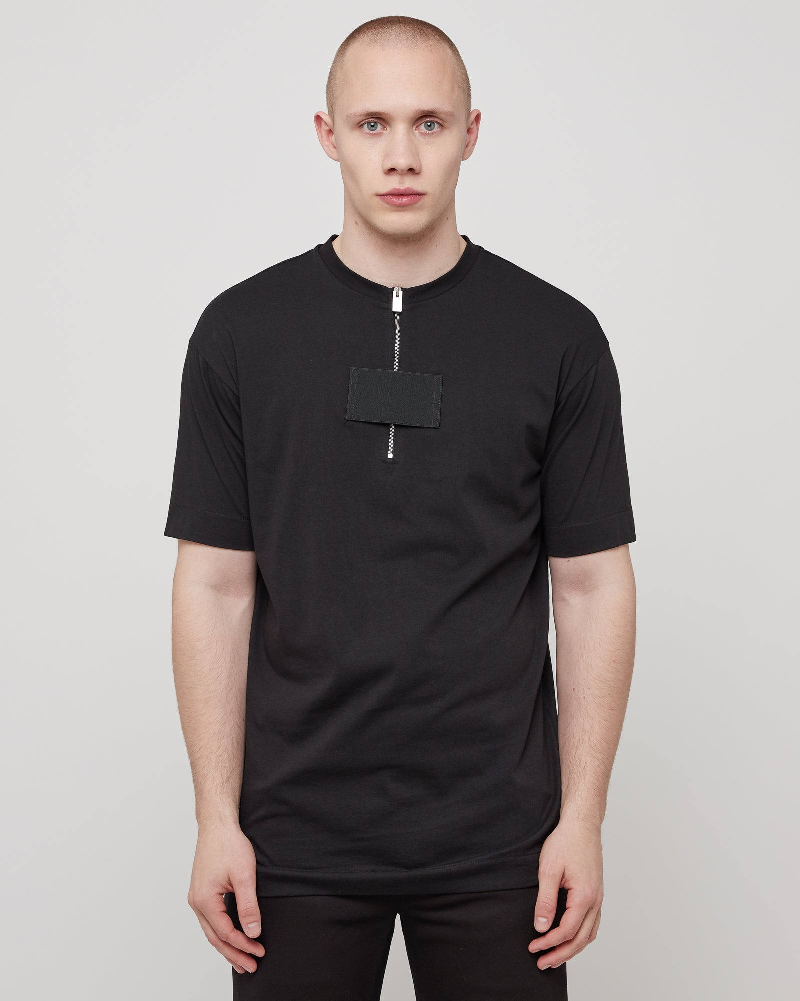 Zipper T-Shirt in Black